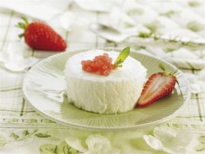 mousse yogur con caviar de fresas